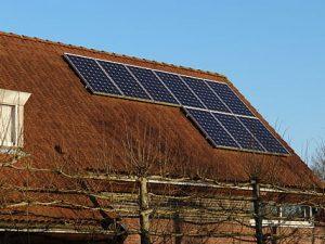 Wilt U zonnepanelen leggen?